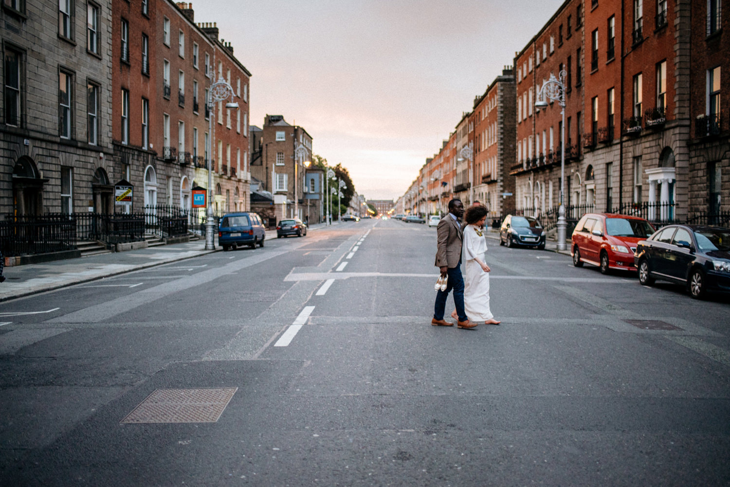 romantic dublin city wedding portraits alternative couple