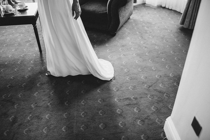 brides dress in black and white