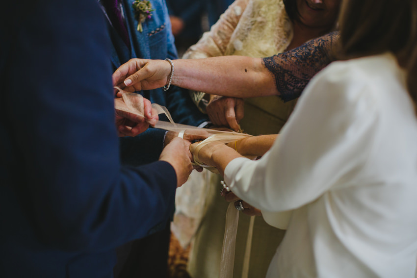 tying of hands at a wedding in dublin city hall