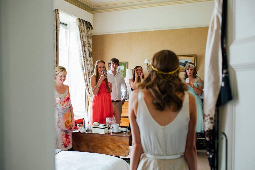 family get to see bride for first time