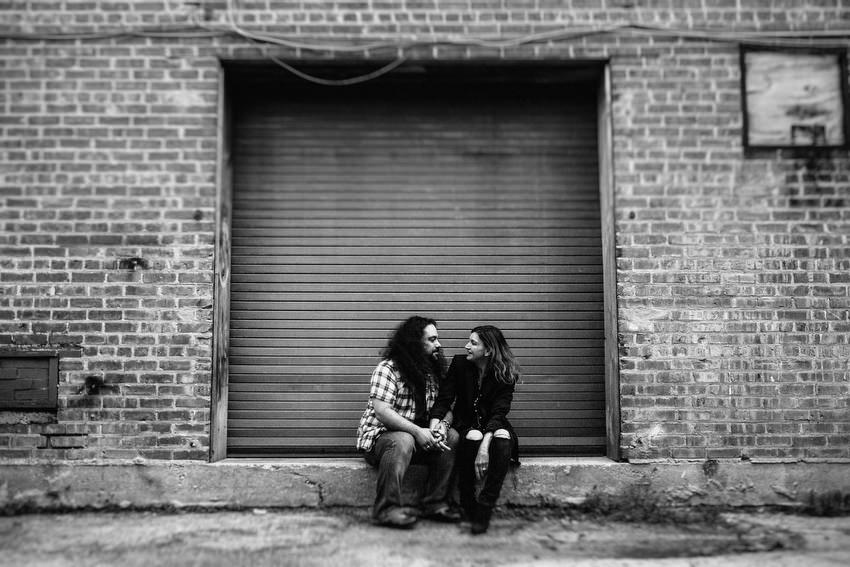 couple shoot in chicago by irish photographer