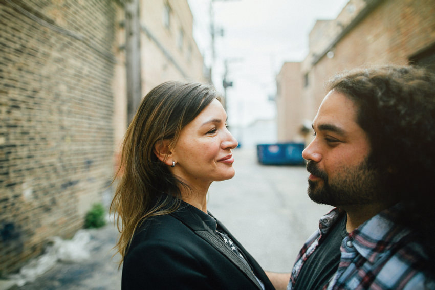 engagement shoot in chicago by irish photographer